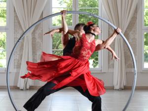atrakcje na imprezę firmową event taniec w kole acroart tango agencja muzyczna