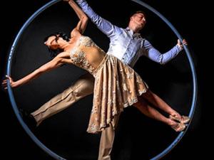 taniec w kole acroart na event imprezę firmową agencja muzyczna